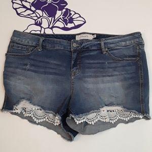 Torrid cut off jean shorts (0238)